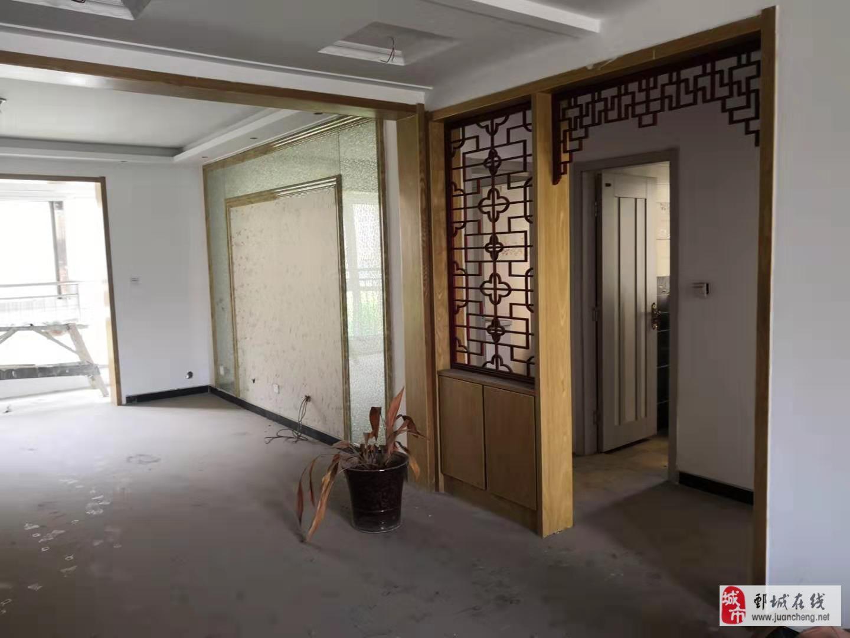 上海城市花园中层边户3楼135平含储59万新装未住
