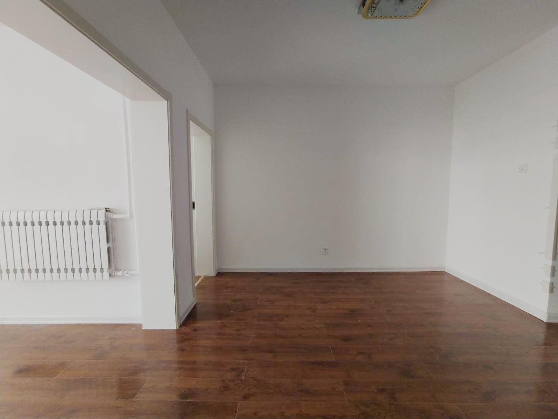 西关片西苑小区3楼精装未住三室双气