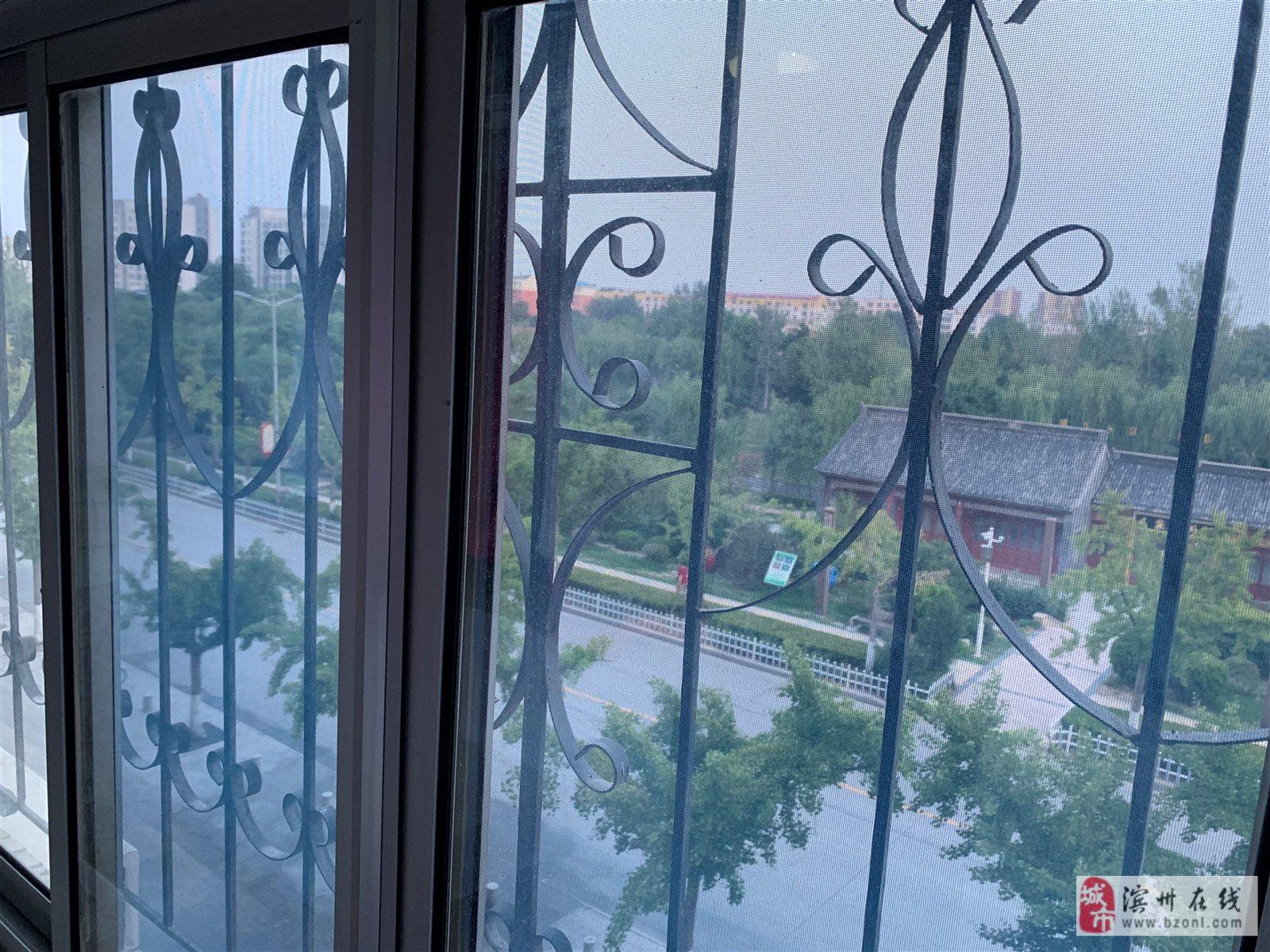 建安小區有房產證的3室2廳120平米55萬元全款可議價
