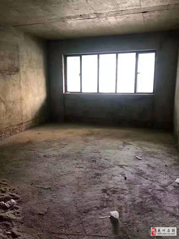 裕隆花园4室2厅2卫66.8万元