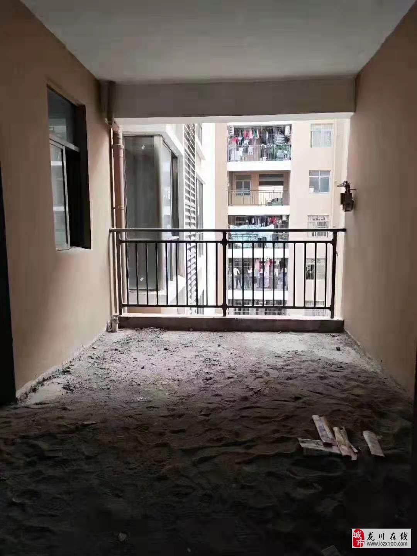 泰华城4室2厅2卫93.8万元