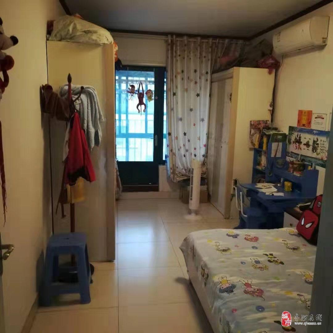 明珠花园小区3室2厅1卫58万元