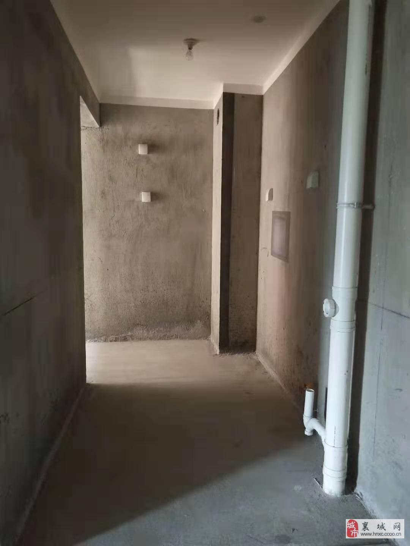 60万买和天下电梯小三室电梯中高层