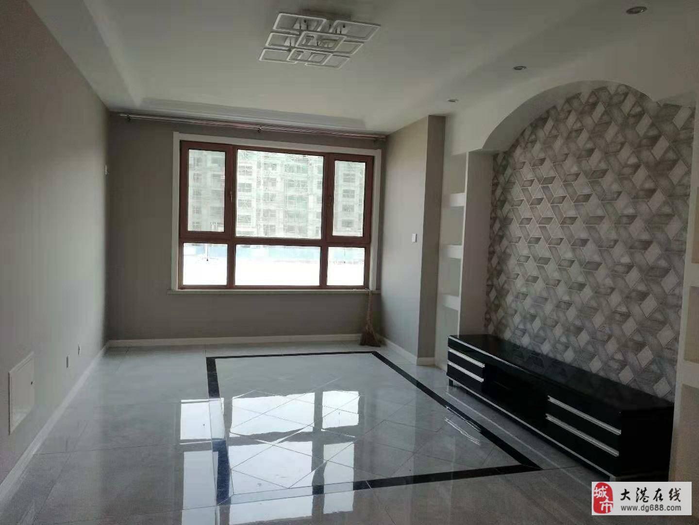 房主急卖啦价格低,豪华精装修,星河两室通厅看房方便
