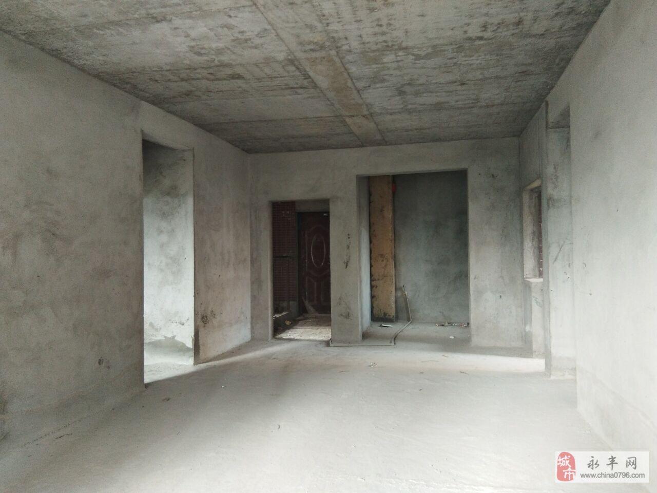 建材市场3室2厅2卫76万 带100平大露台