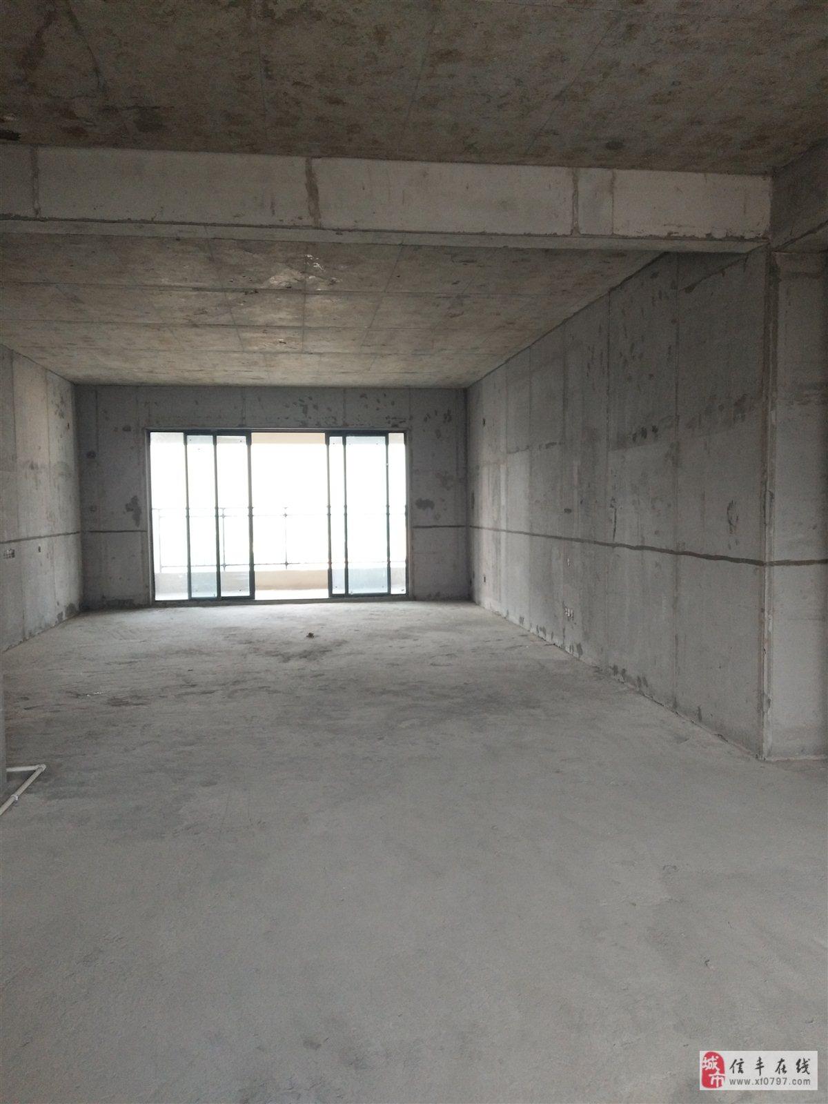 桃江御景4室2厅2卫95万元