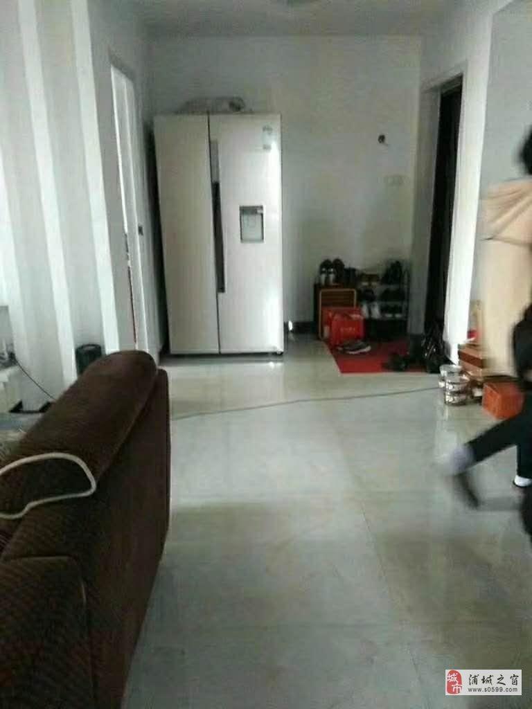 华晖棕榈泉新装修婚房出售3室2厅2卫108万元