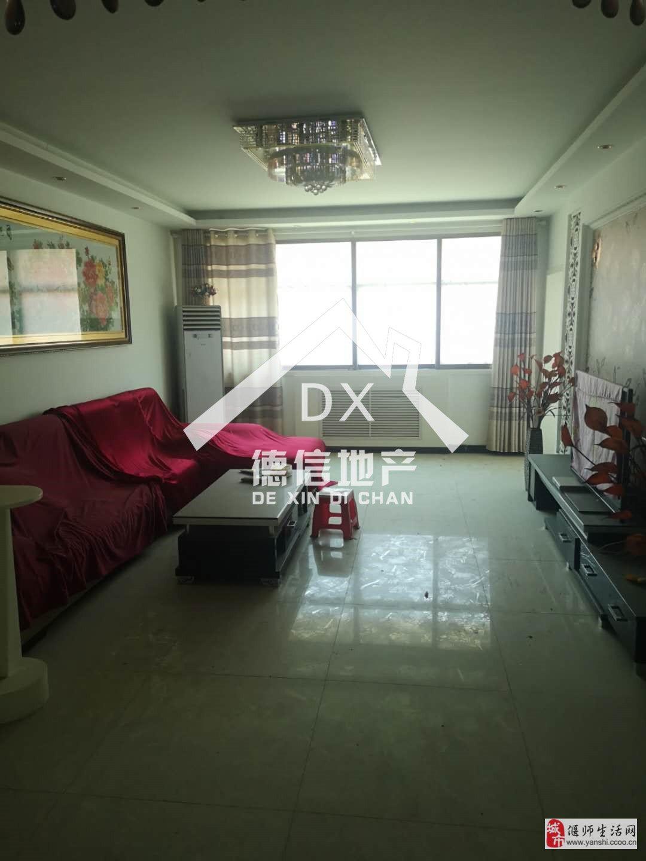 金太阳公寓4室2厅2卫75万元