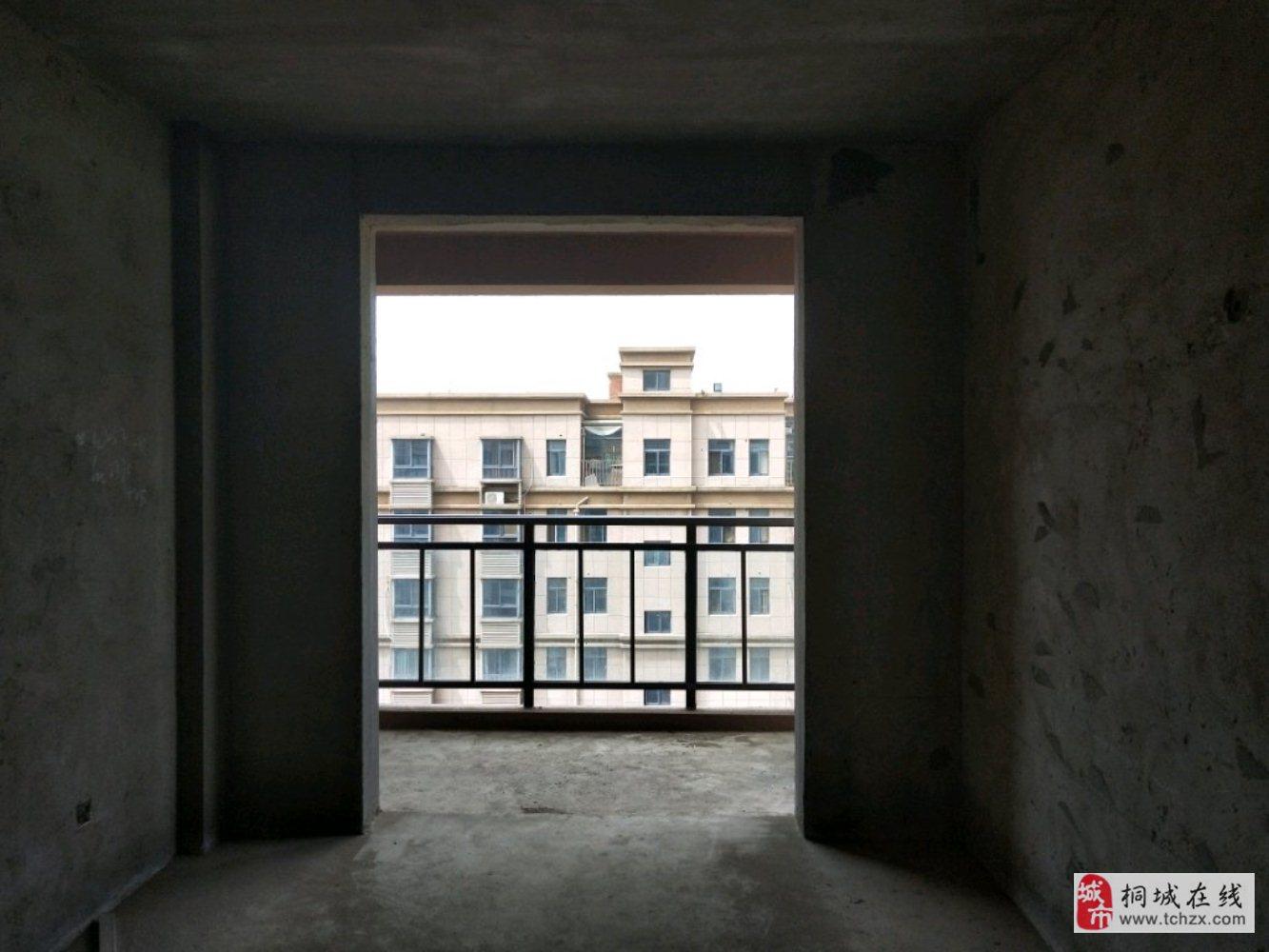 学区房周边交通便利看房方便全新毛坯铂金楼层