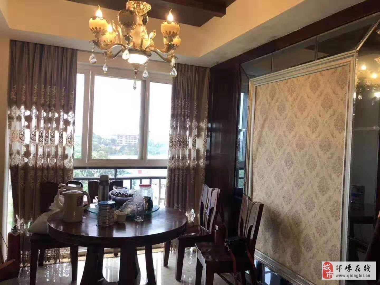 高宇·滨水国际精装4室2厅2卫94.8万元
