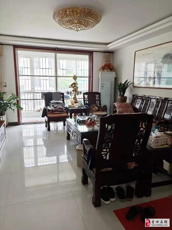 青都国际花园黄金2楼精装140平带车库可按揭