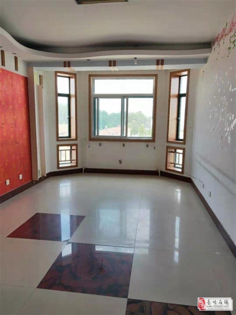 南燕都5楼153平四室简装+储双证92.8万可按揭