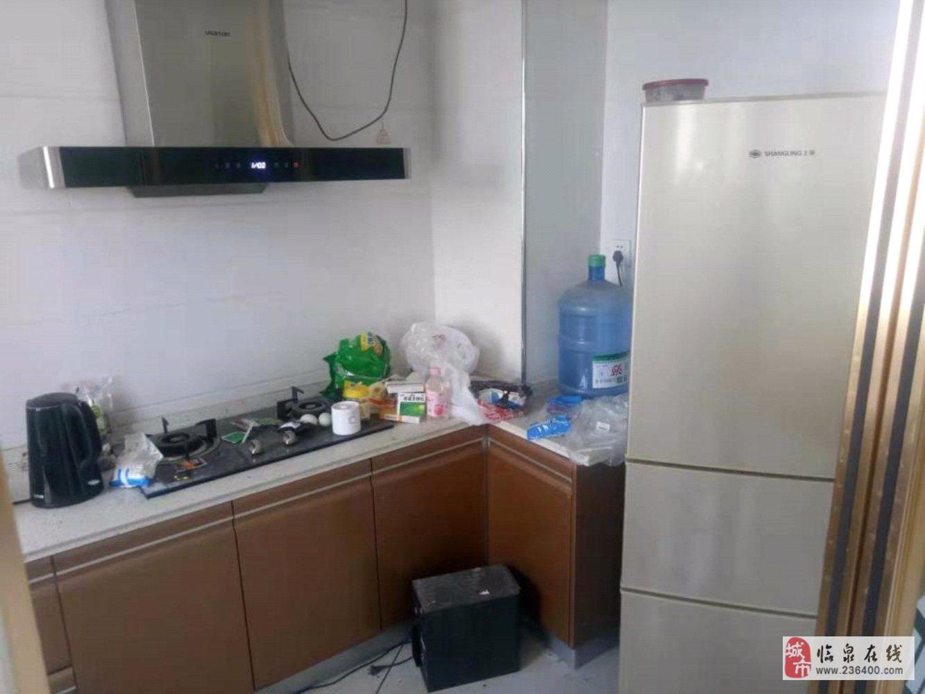 丽阳豪苑11楼精装修证满2年3室2厅2卫82万元