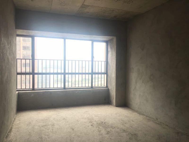 東匯城4房2廳毛坯房視野好看房方便108萬誠心出售