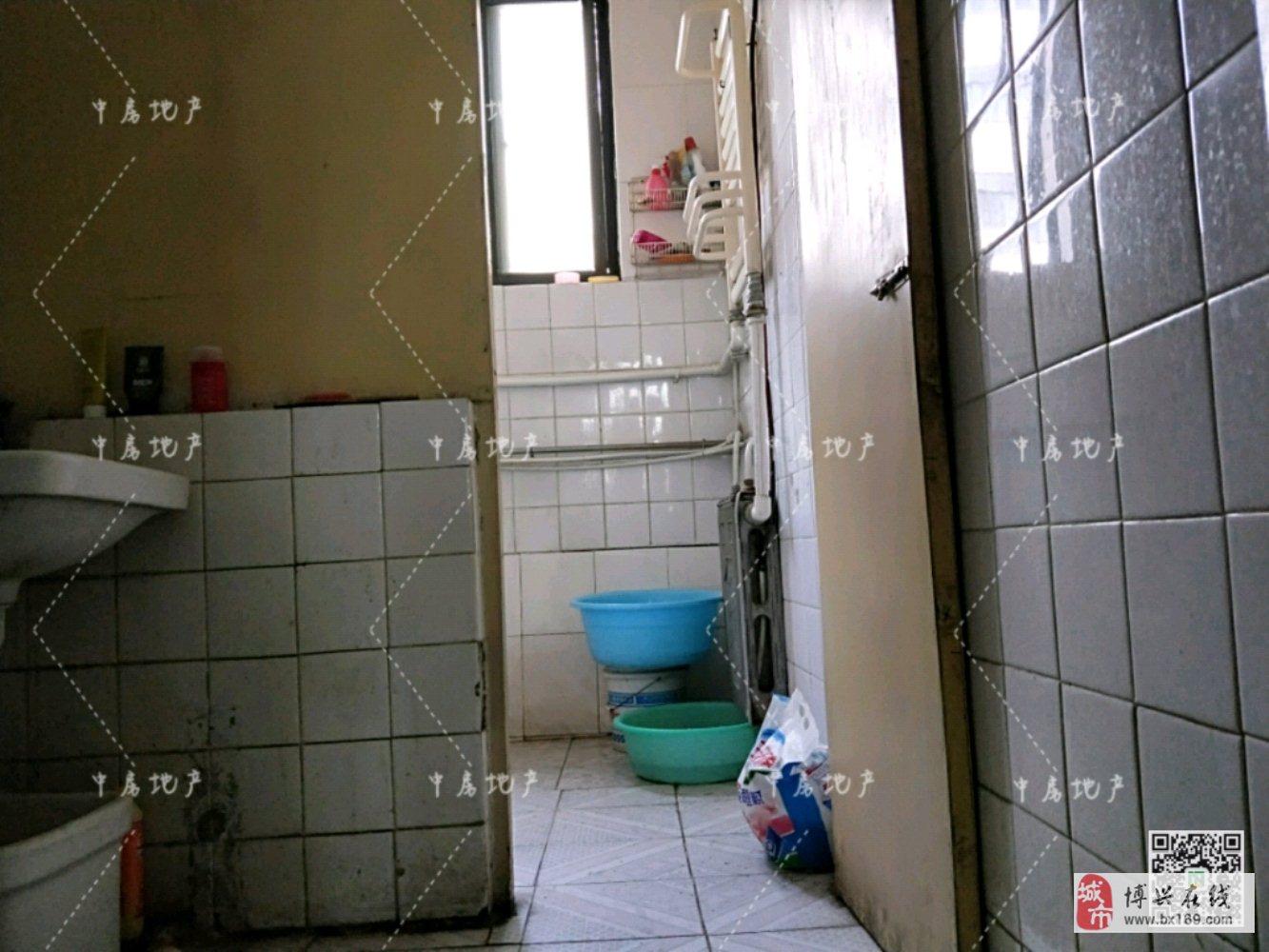 锦秋小区3室2厅1卫70万元