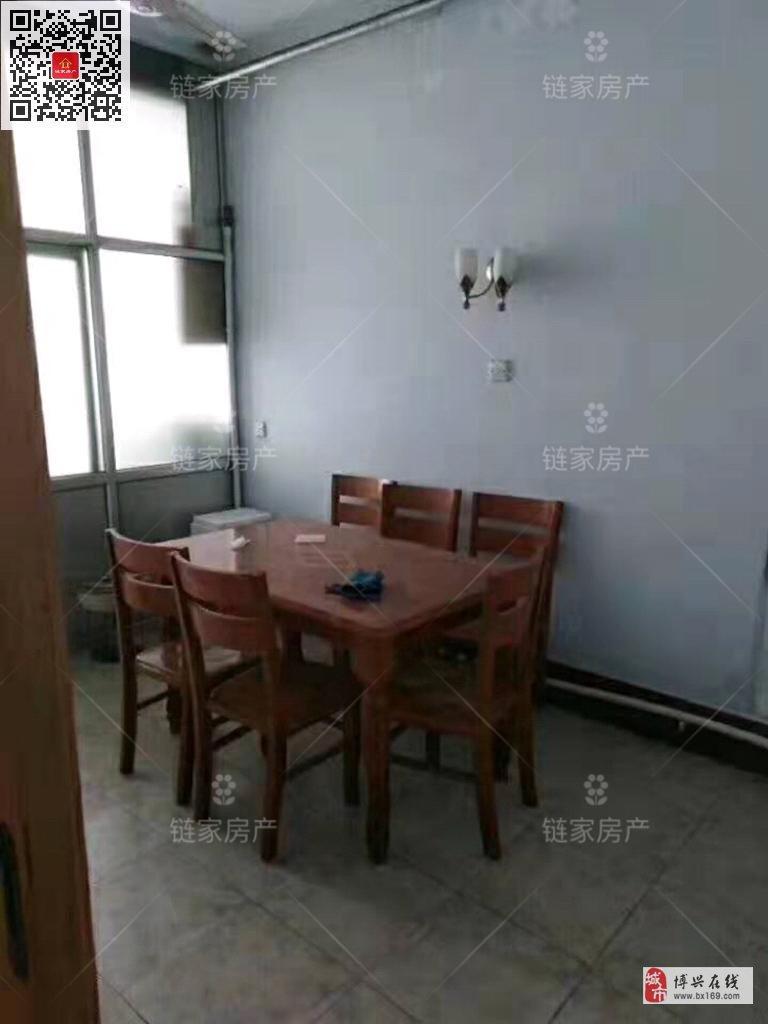 5242工商宿舍一楼3室2厅1卫95万元