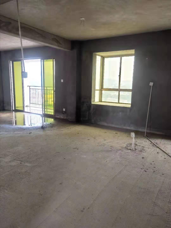 紫兴新城B1区3室2厅2卫65万元