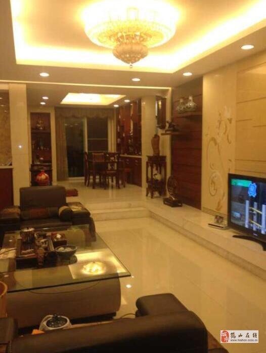 錦繡華虹中層豪裝130方3室2廳2衛82萬元