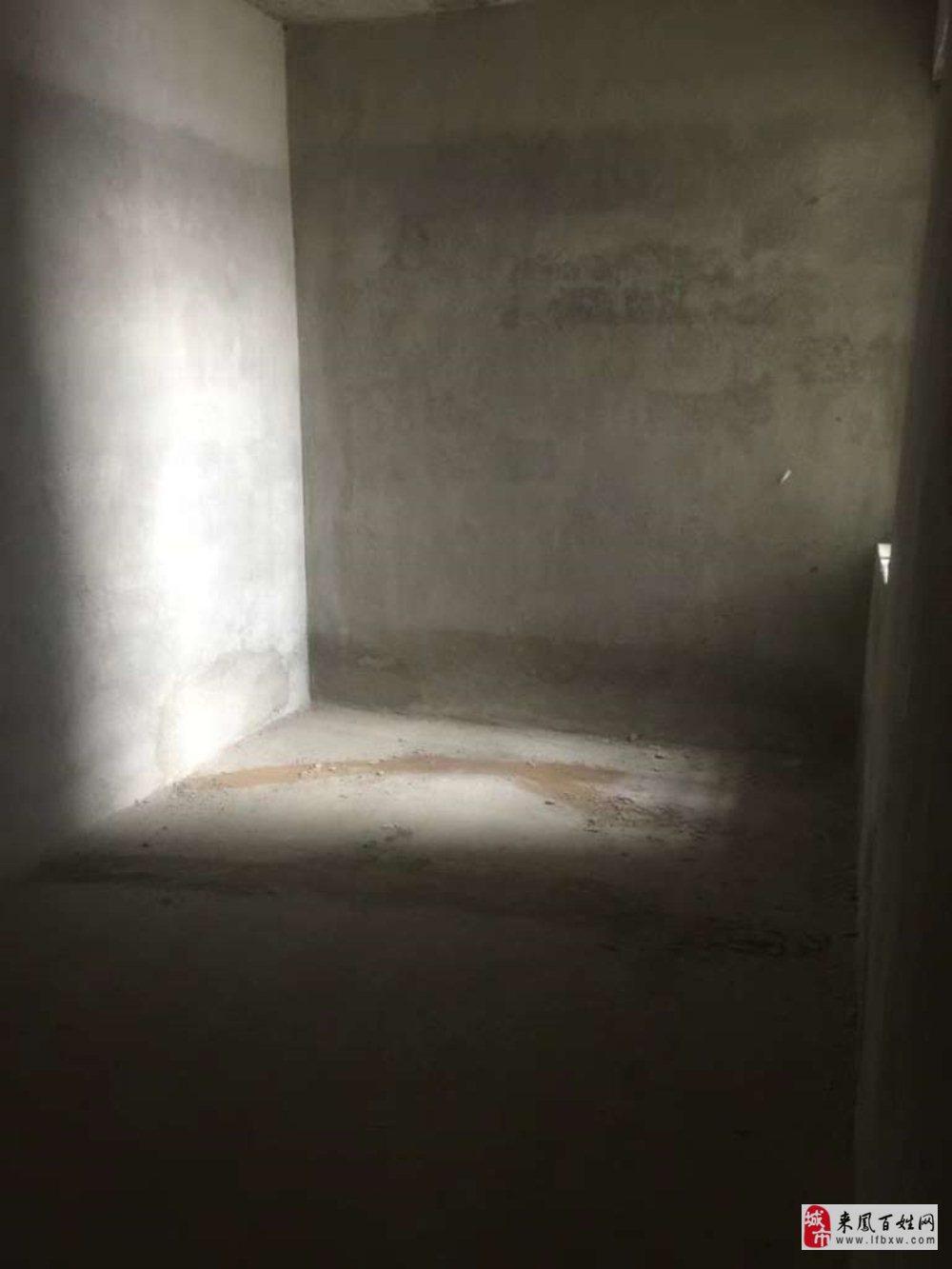 海玉3室2厅2卫62.8万元