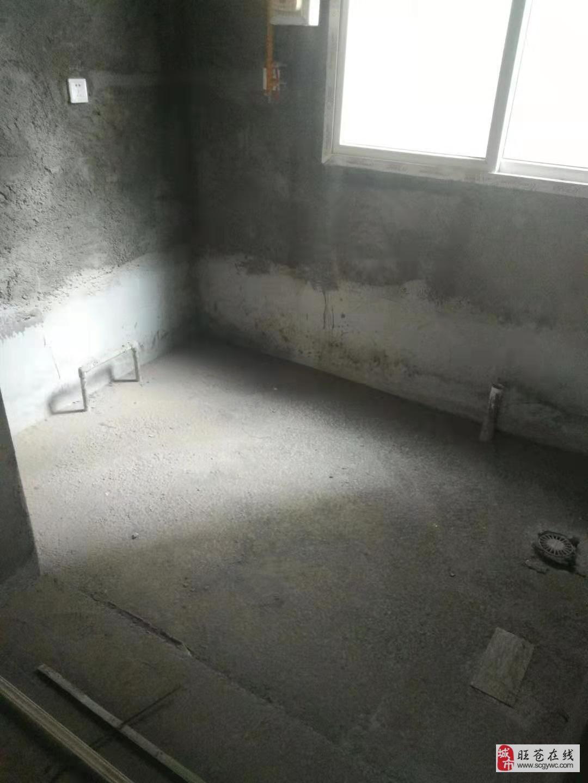 四季阳光城3室2厅2卫48万元业主诚心出售