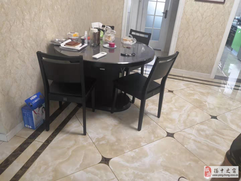 恒龙嘉苑125平精装3房3室2厅2卫128万元