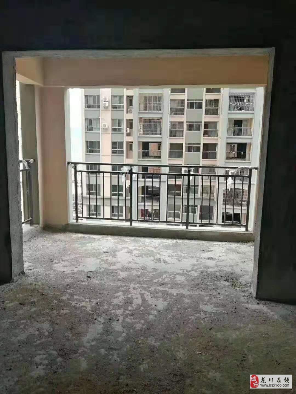 泰华城h区3室2厅2卫69.9万元