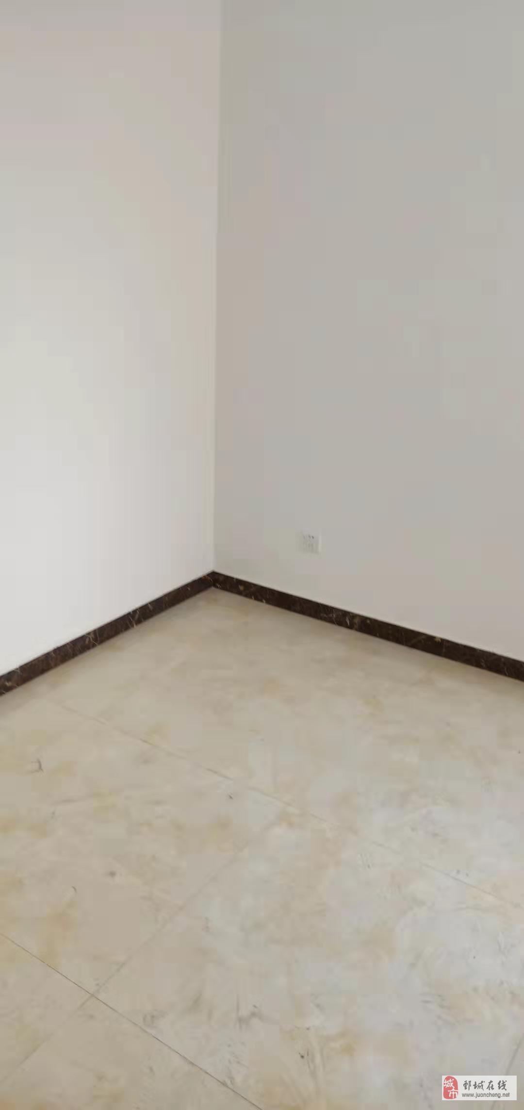 御翠上府,3居室,精裝修,有電梯,有儲藏室,售48