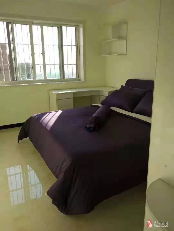 急售绿岛华府2室2厅1卫88万元