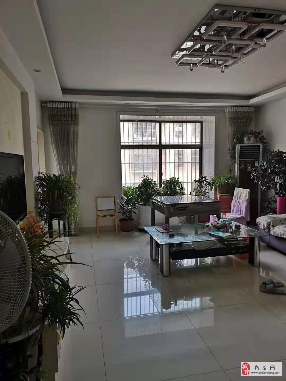 大广花园3室2厅2卫精装修。急售66万!