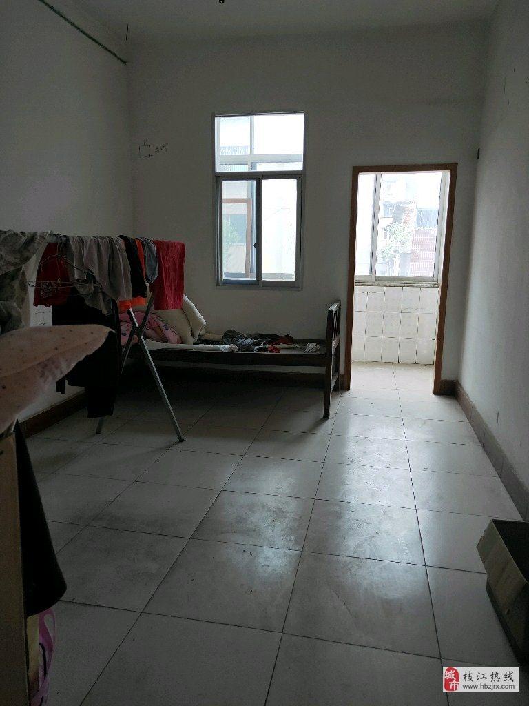 马店路农机院内2室1厅1卫20万元
