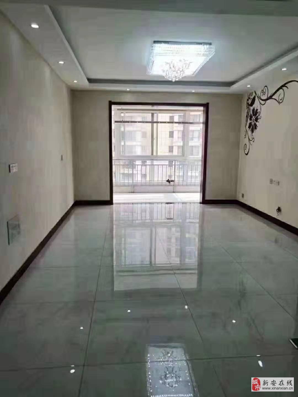出售湖畔華庭三室兩廳
