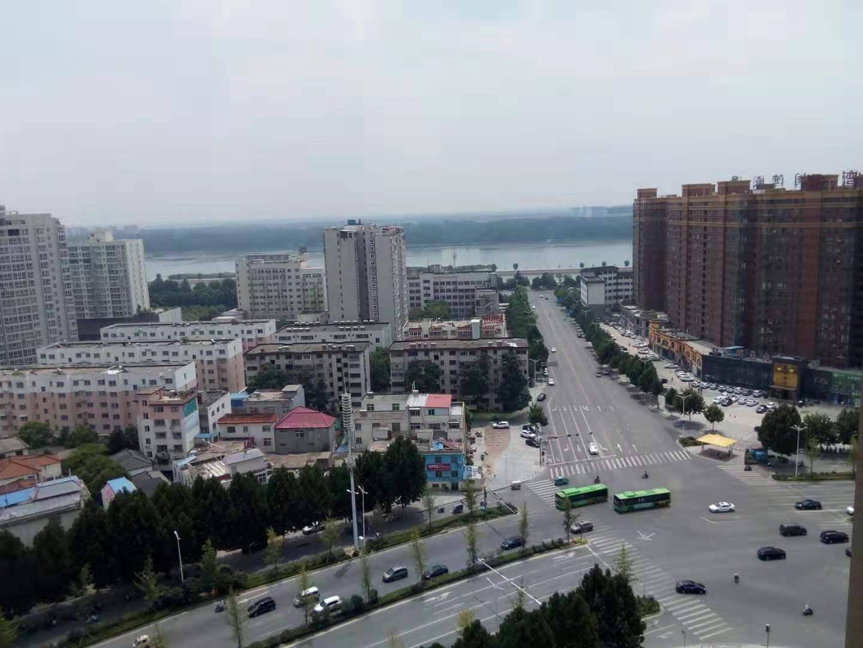 张衡路电业局家属院4室143平122万元