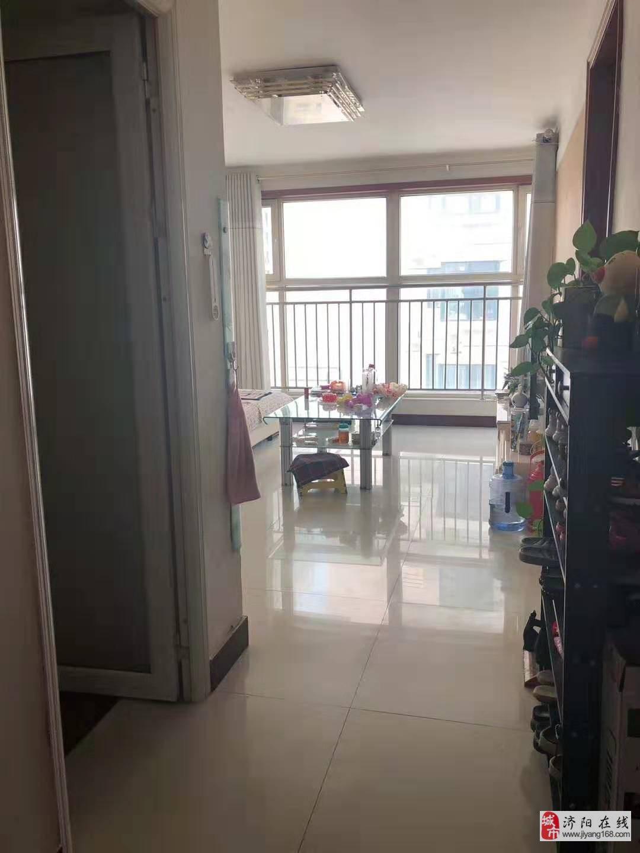 新出超低價華鑫現代城電梯2室2廳1衛65萬
