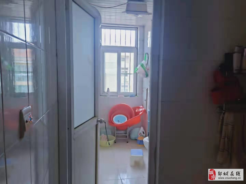 燕京花园2室1厅1卫62万元
