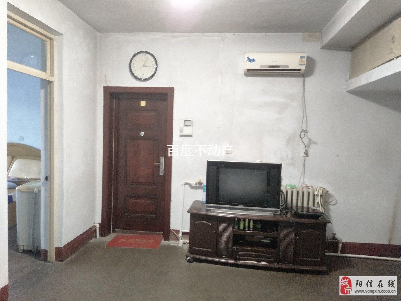 交通局2室1廳1衛帶儲藏室40萬元