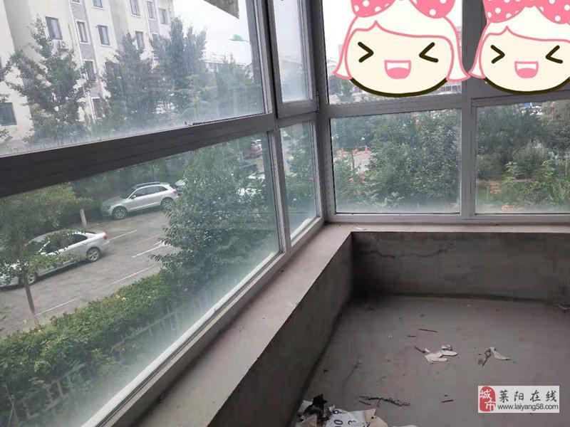文峰片阳光城114平大三居客厅带窗毛坯