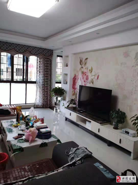 中城模范城4室2廳1衛82萬元