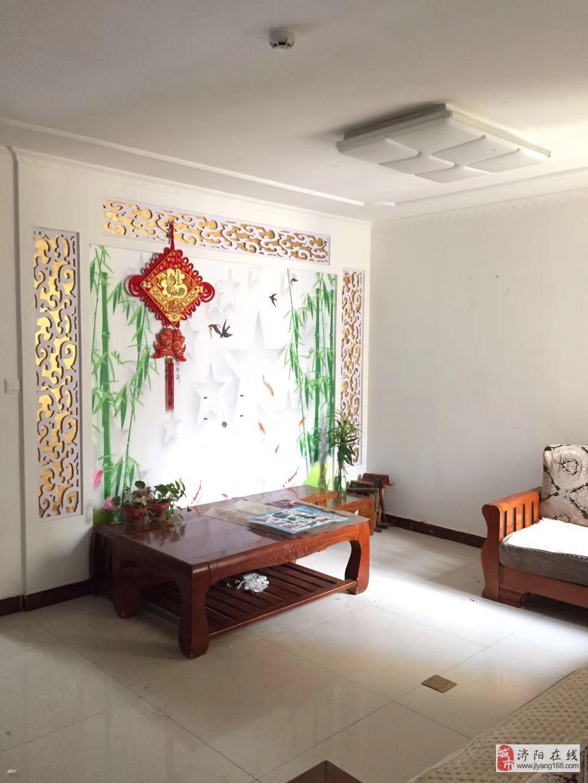 龍港清華園3室2廳1衛82萬元