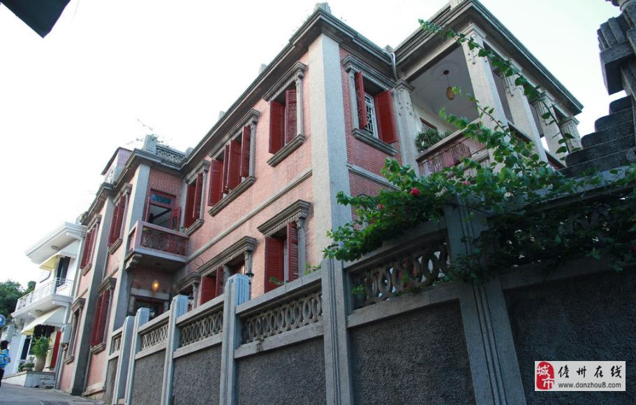 人民医院附近大街自建房250万出售