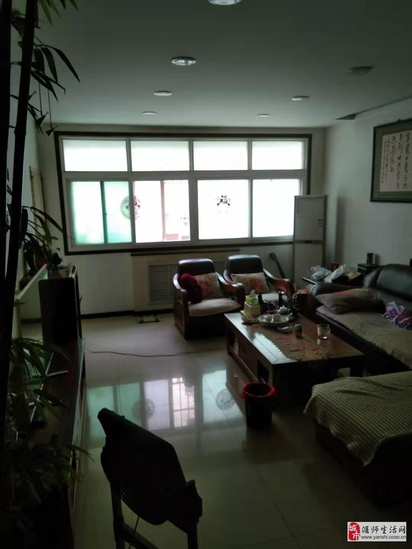 土地局家属院4室2厅2卫80万元