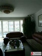 阳光南区,精装修4居室!多层1楼!证满5年!