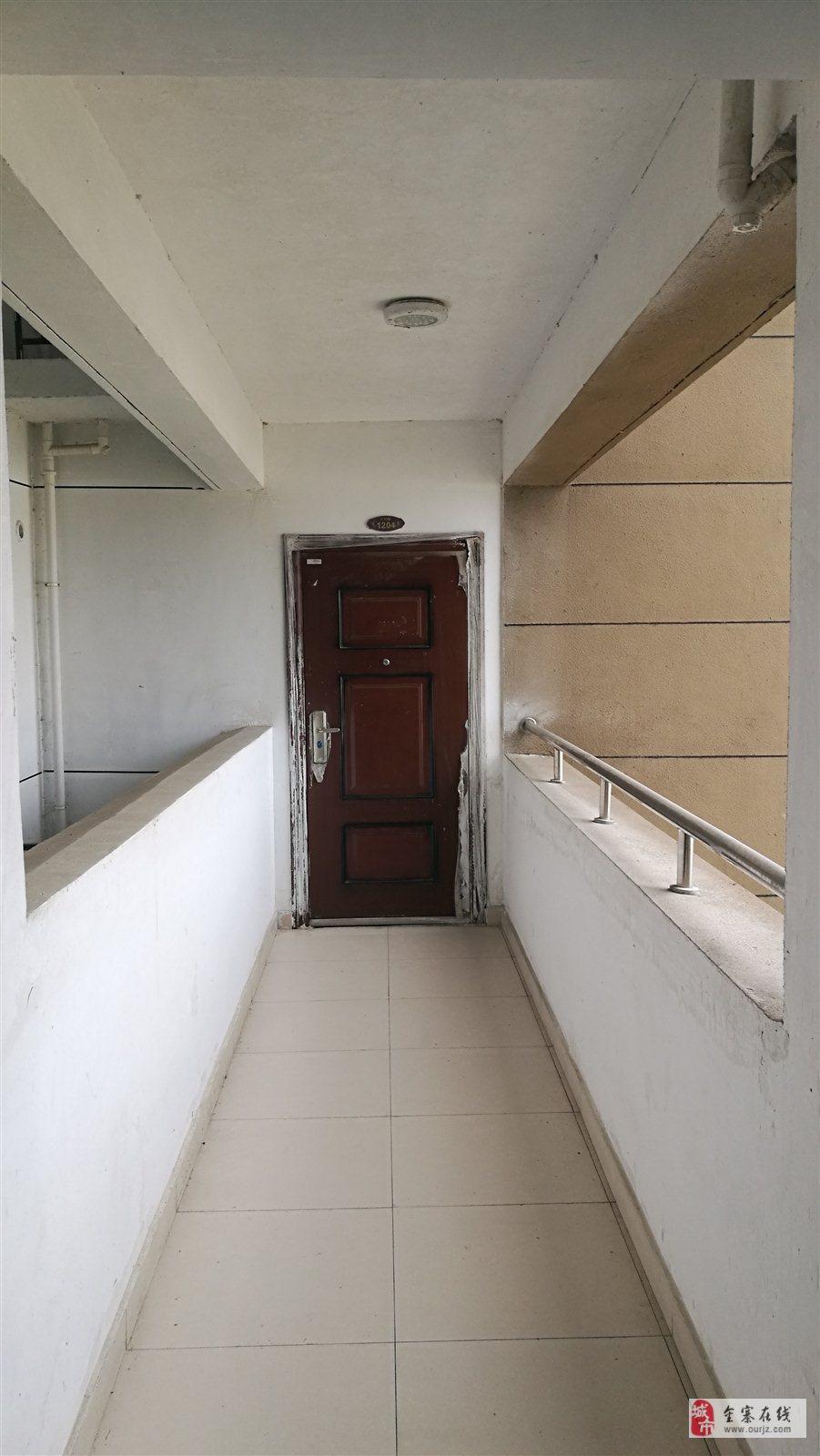金江新城3室2廳2衛85萬元