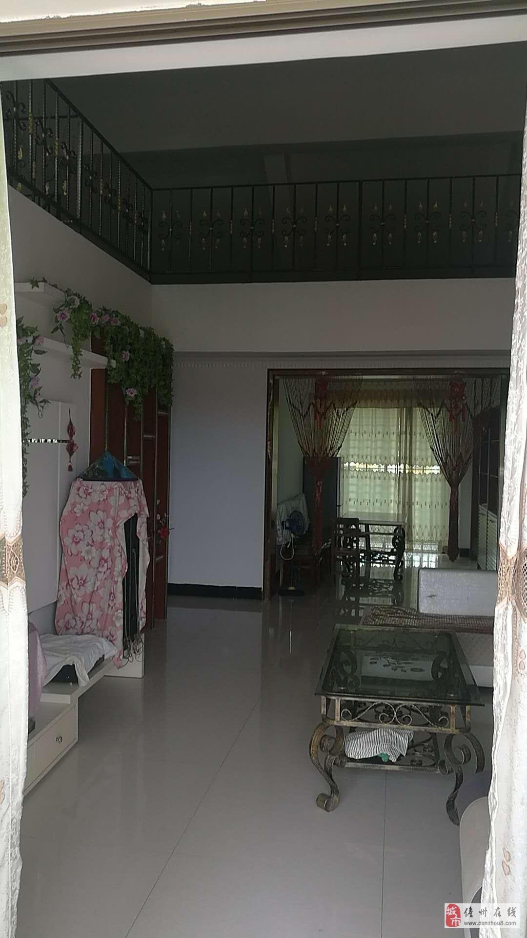 泰安苑3室2厅2卫141平米单价4500一平米