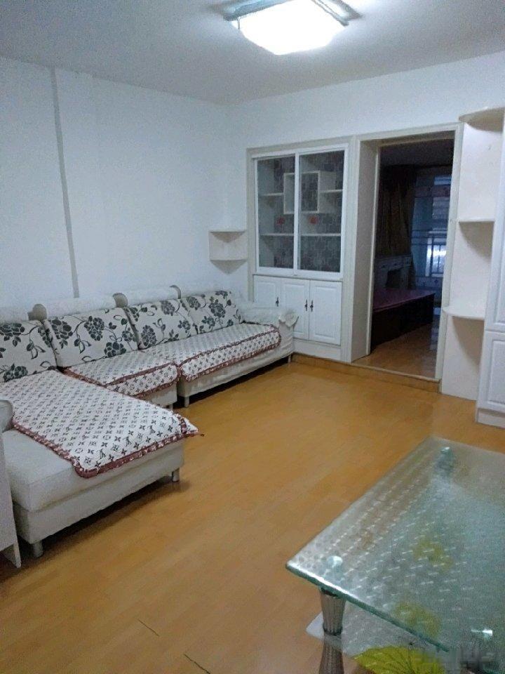 金辉世家6楼,精装修,两室一厅,售18.8万