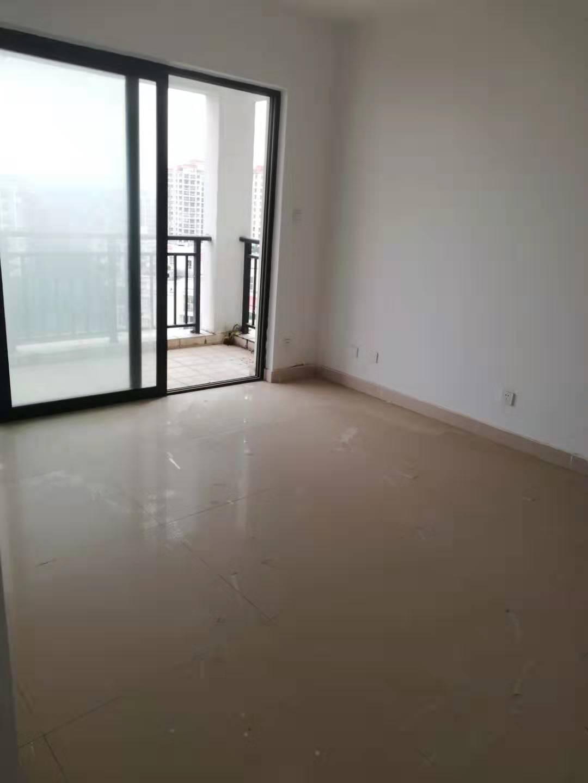 众一家园2室1厅1卫63万元