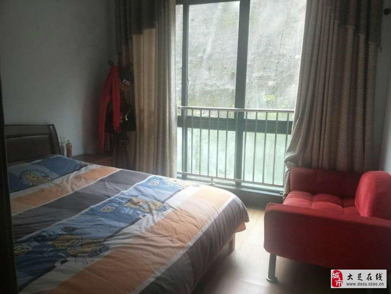 玉龙云湖山水3室2厅2卫44.8万元