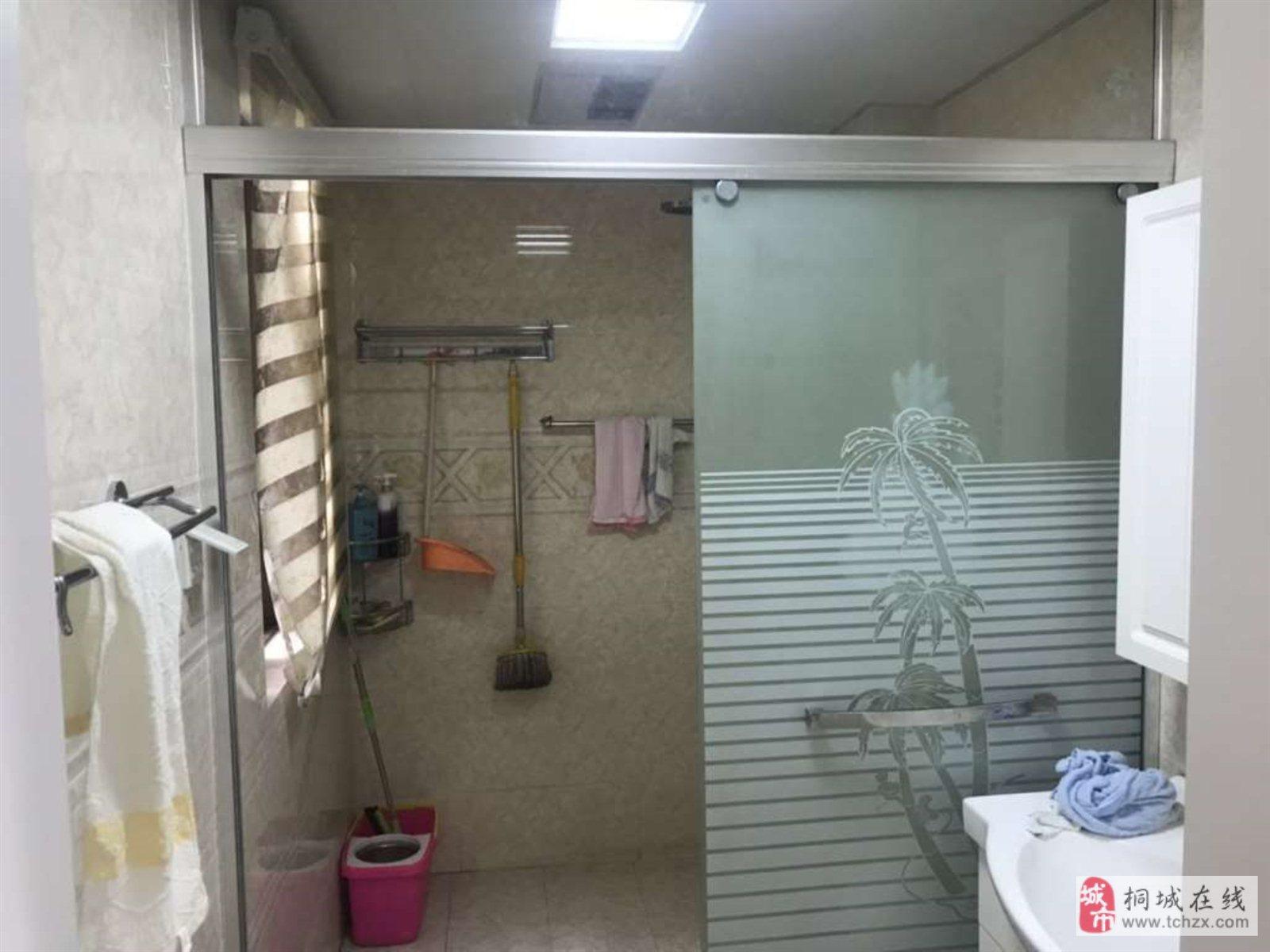 香山公馆3室2厅1卫68万元精装房6300一平