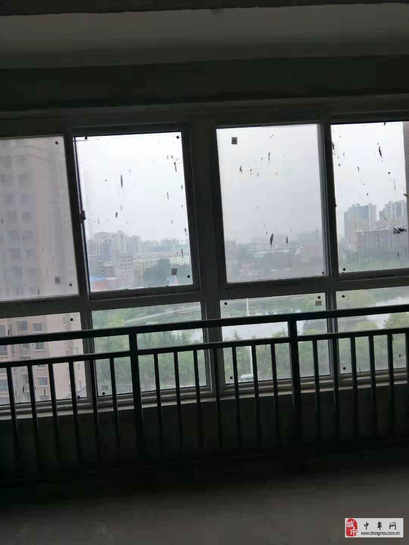 悅湖會3室2廳98平76萬現房正常首付