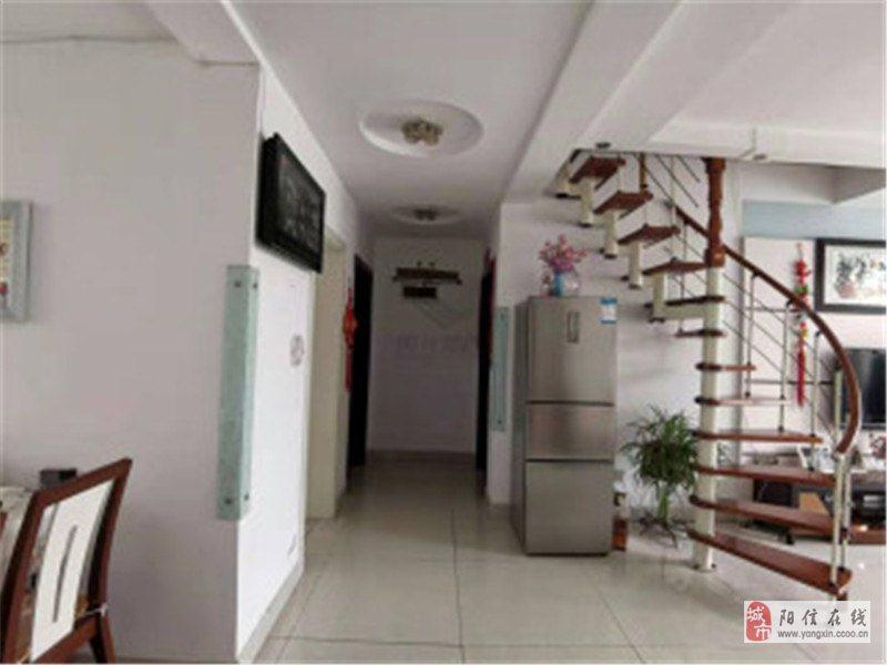 金羚美景城5樓帶閣樓3室精裝房90萬元少稅可按揭
