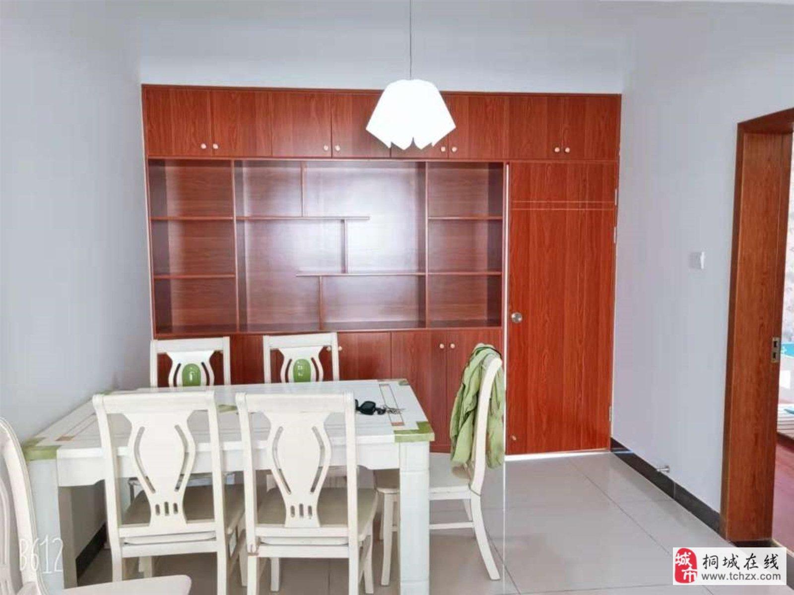 兴尔旺3室2厅1卫48万元精装修4100一平